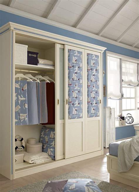 porte habits chambre armoire chambre porte coulissante