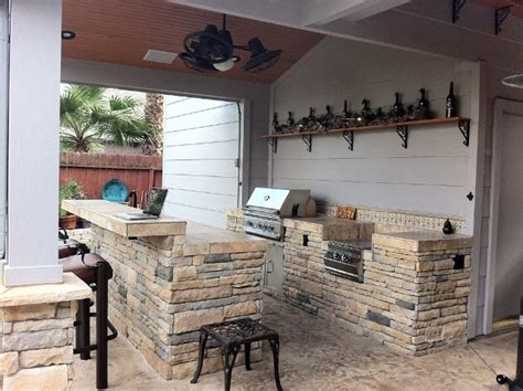 Dallas Cowboys Room Design Ideas by Texas Style Rustic Outdoor Kitchen Grill And Bar