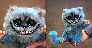 Chat D Alice Au Pays Des Merveilles : une peluche chat du cheshire d 39 alice au pays des merveilles topito ~ Medecine-chirurgie-esthetiques.com Avis de Voitures