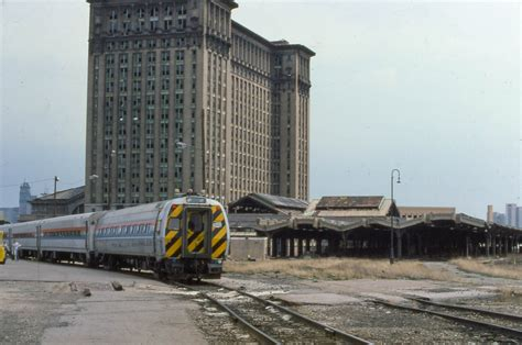 detroit mi amtrak stations