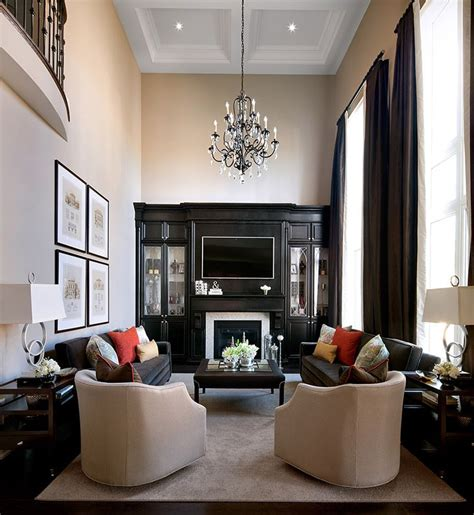 Decorating Ideas For Narrow Living Rooms by Best 25 Narrow Family Room Ideas On