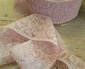Tissu Rose Poudré : dentelle entre deux rose poudr 5cm tissurama tissu d 39 habillement et ameublement mercerie ~ Teatrodelosmanantiales.com Idées de Décoration