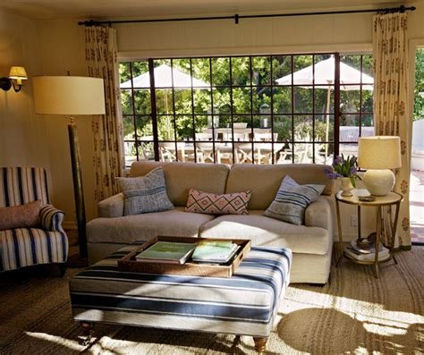 home again interiors step inside the california house from nancy meyers new movie home again