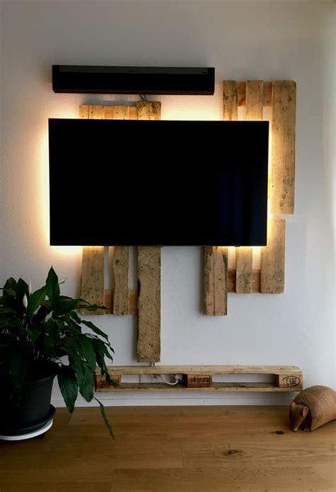 Steinwand Mit Tv by Tv R 252 Ckwand Aus Paletten Und Led Beleuchtung Wohnung