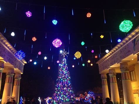 13 ways to see lights in choose901 - Memphis Christmas Lights