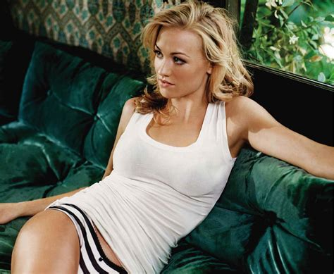 Hottest Hollywood Actresss Yvonne Strahovski Hot