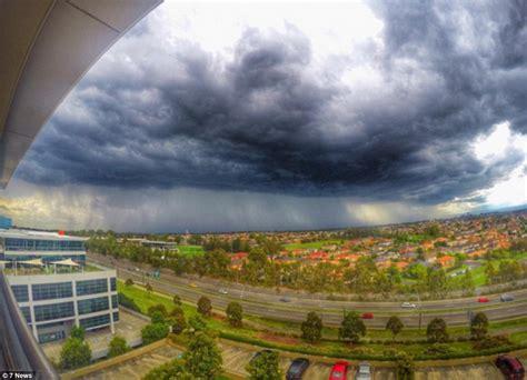 bureau sydney sydney weather sees heavy and winds cut power