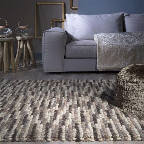nettoyer un canapé en microfibre tapis chic com le spécialiste du tapis design et