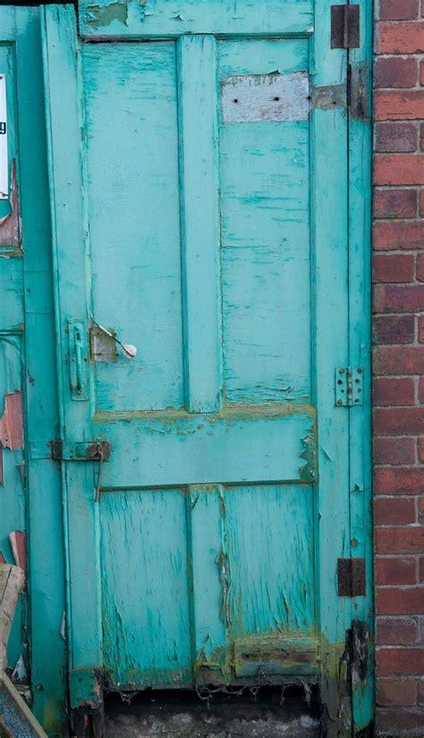 turquoiseblue wood studio photography