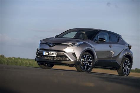 toyota  hr hybrid review images carbuyer