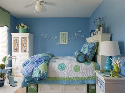 Inexpensive Decorating Ideas For Bedroom by Wall Decorating Ideas For Bedrooms Cheap Cheap