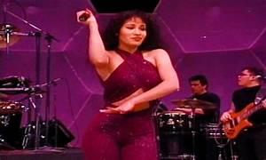 Style Icon: Selena Quintanilla