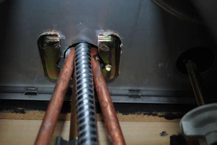 delta kitchen faucet  leaking   sink plumbing