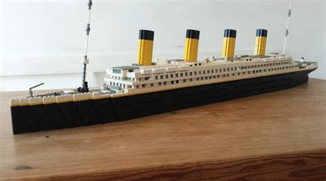 Lego Ship Sinking Titanic by Lego Ideas Rms Titanic 46 Real Model With Lights