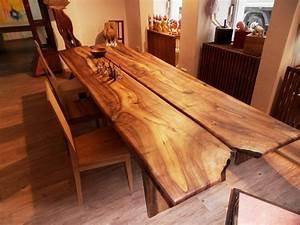 Massivholzplatte Mit Baumkante : tische europ ischer nussbaum manuform ~ Markanthonyermac.com Haus und Dekorationen