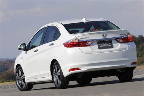 honda introduces  efficient hybrid sedan named grace