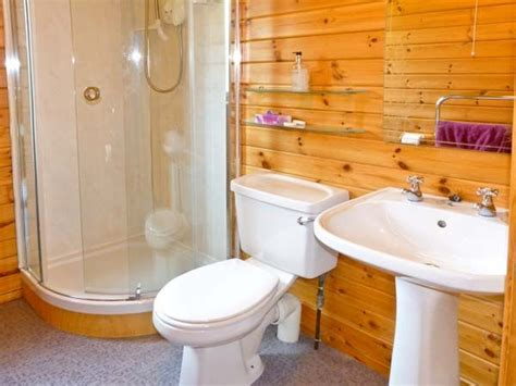 Spinney Lodge Scotland Bathroom