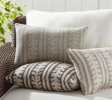 pottery barn outdoor pillows sunbrella 174 saratoga indoor outdoor pillow pottery barn
