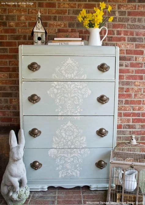 diy vintage style ideas with the antoinette damask stencils royal design studio stencils