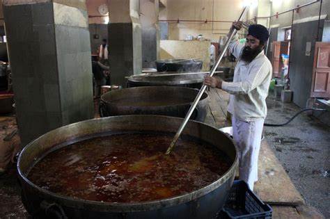 History Of Kitchen In India by Kitchen That Feeds 100 000 Daily Sikhiwiki Free Sikh