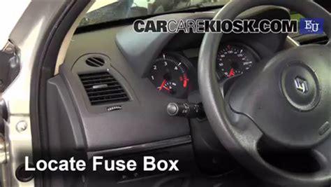 interior fuse box location 2002 2008 renault megane 2003 renault megane authentique 1 5l 4