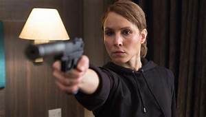 Noomi Rapace Took A Hit From Orlando Bloom On Set ...