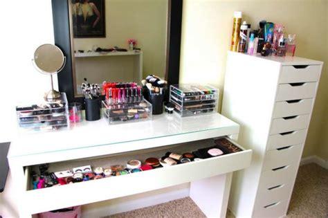 bureau maquilleuse le meuble de rangement de maquillage organisez vos trucs