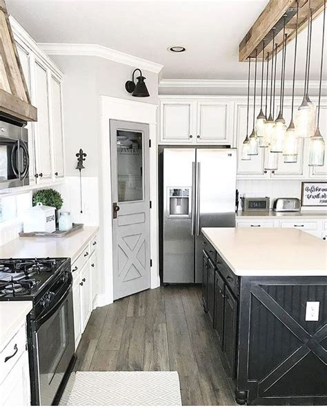 on line kitchen cabinets 25 best ideas about barn style doors on 3679
