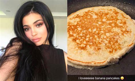 kylie jenners fluffy banana pancakes