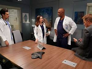 'Grey's Anatomy' stars reflect on reaching landmark 300th ...
