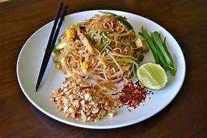 Vegetarian pad thai | lushesfood