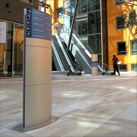 segnaletica per interni segnaletica d ambiente designsystem totem informativi