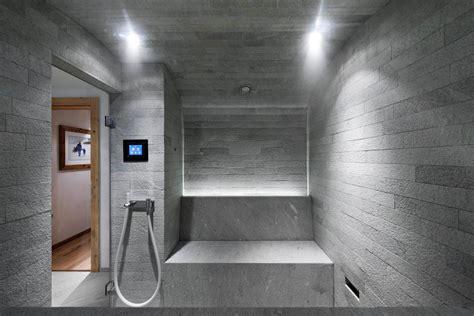 Freistehende Badewanne Die Moderne Badeinrichtungbadezimmer Mit Natursteinwand 2 by Kneipp In Der Spa Und Badarchitektur Wasserprozeduren 2 0