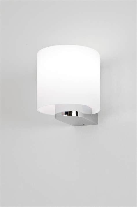 astro sienna 0665 round bathroom wall light 1 x 60w e14
