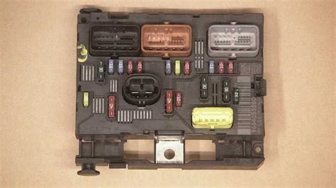 Peugeot Fuse Box 207 by Fuse Box For Peugeot 207 Autoparts24