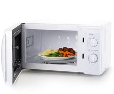 cuisine non agenc microonde i 5 alimenti da non cuocere in questo forno