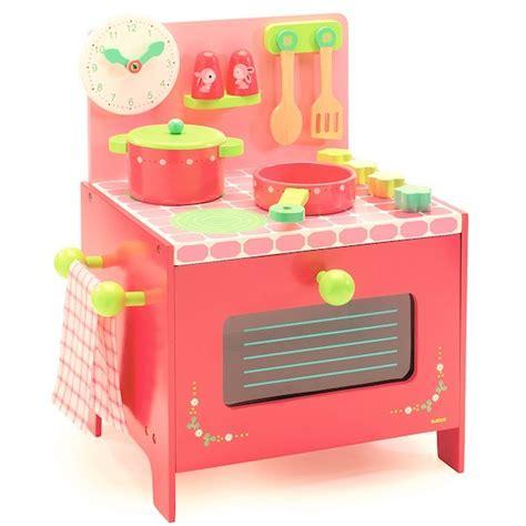 cuisine en bois djeco la cuisinière de lili djeco djo6508 jouet djeco
