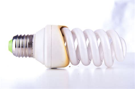 hot to tell which lightbulb is out how to determine the wattage you need from an energy saving light bulb