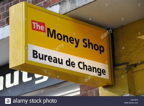 bureau de change evry the money shop bureau de change payday loans cheques cashed debt easy stock photo royalty free