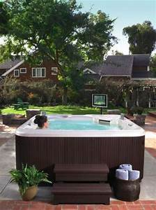 Hot Spring Whirlpool : portable hot tub in the garden swimming pool or spa ~ Buech-reservation.com Haus und Dekorationen