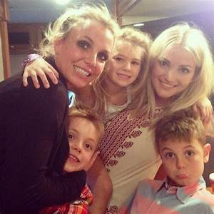 Talk About Good Genes! Britney and Jamie Lynn Spears Pose ...