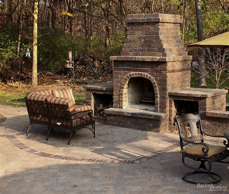 Best 25+ Outdoor Fireplace Brick Ideas On Pinterest