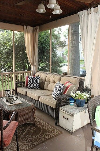 Outside Porch Furniture by 25 Best Ideas About Screened Porch Furniture On