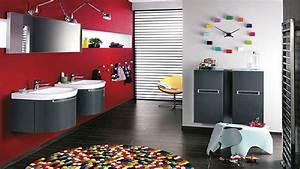 Deco Salle De Bain Gris : la salle de bain rouge donne des id es au gris et noir d co cool ~ Farleysfitness.com Idées de Décoration