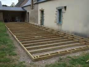 nivrem pose terrasse bois diverses id 233 es de conception de patio en bois pour votre