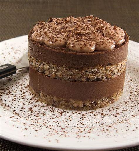 entremet noisette et chocolat pour 4 personnes recettes 224 table
