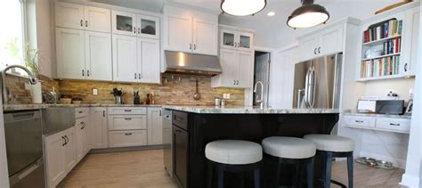 farmhouse kitchen flooring best 25 10x10 kitchen ideas on small i shaped 3700