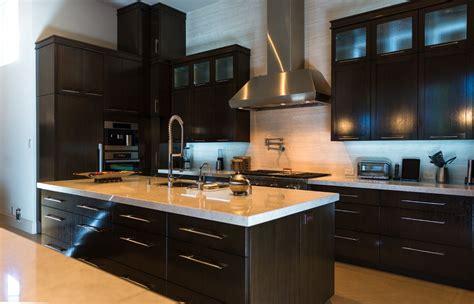 cuisine massif cuisine meuble cuisine bois massif fonctionnalies moderne style meuble cuisine bois massif