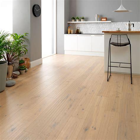 Distressed White Oak Laminate Flooring