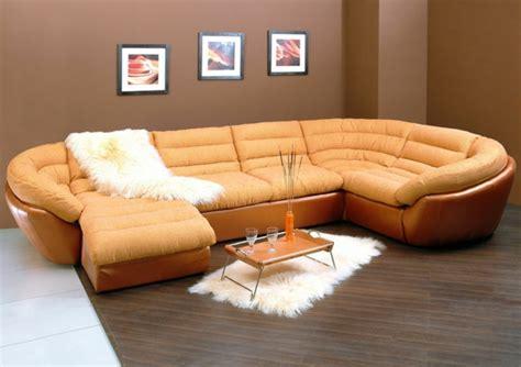 canap en cuire le canapé d 39 angle convertible en beige